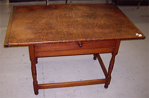 Stretcher Base Tavern Table. Helen Warren Spector   Early American Furniture and Decorative